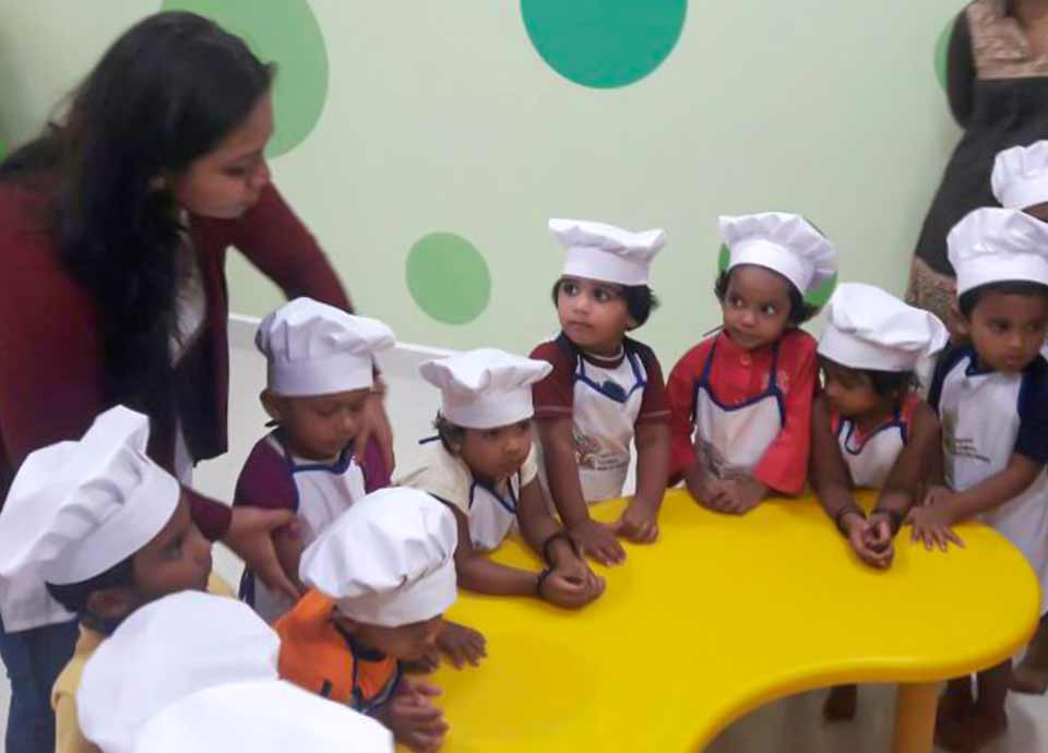 Aachi Global School Kids Baking cupcakes in Chennai